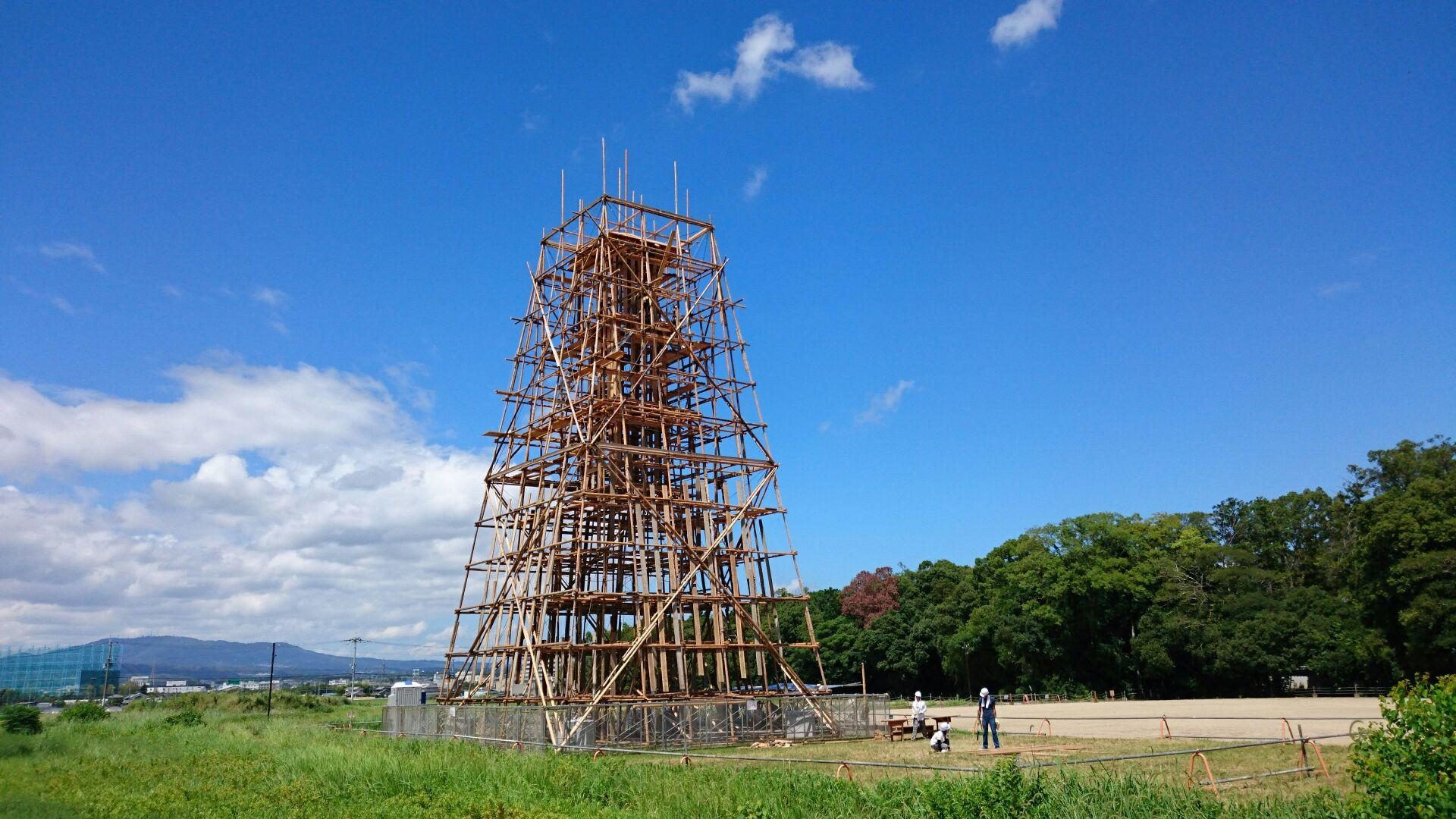 Tower of scaffolding
