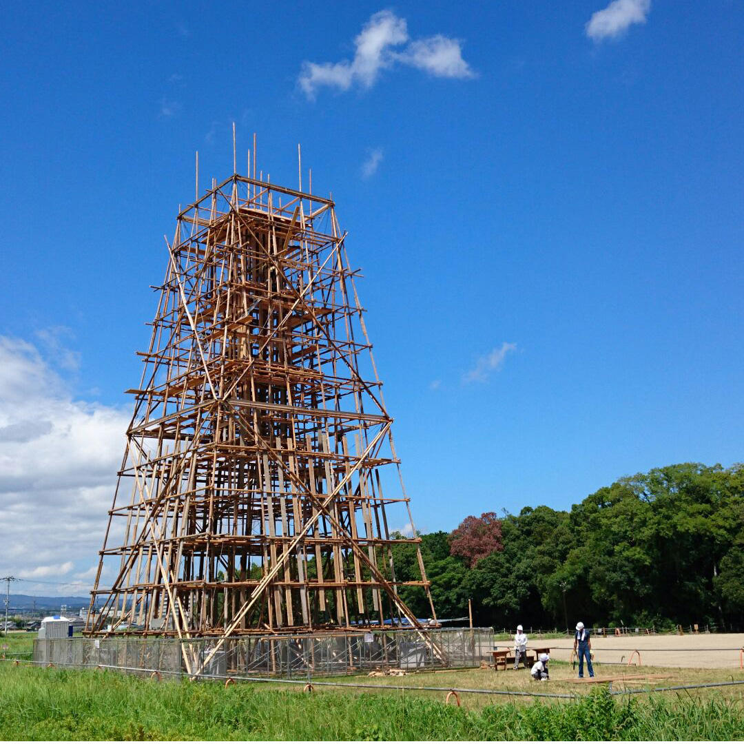 Latest work by Tadashi Kawamata has realized at Nara