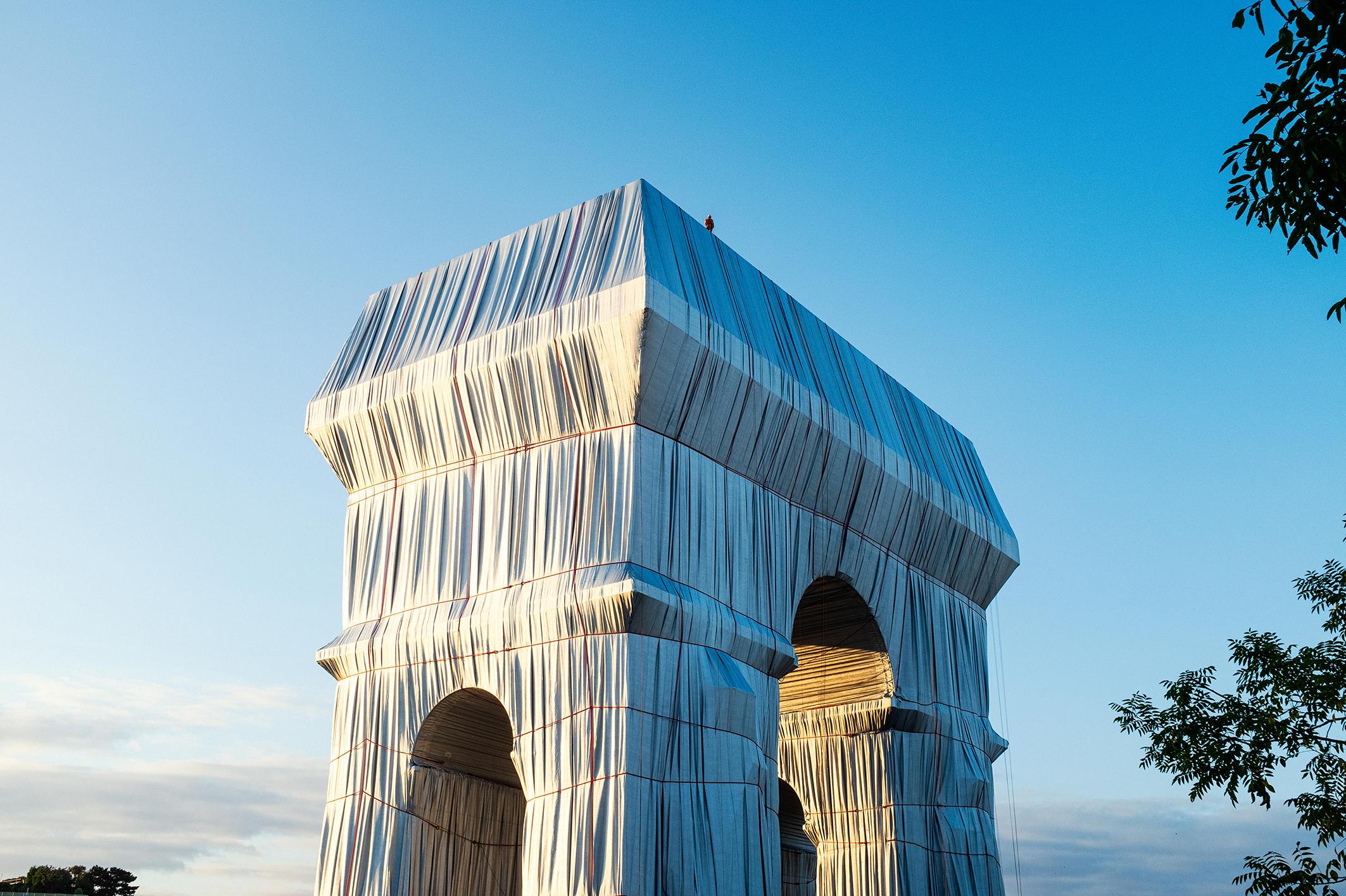 クリストとジャンヌ=クロード:梱包された凱旋門 、 パリ、1961-2021