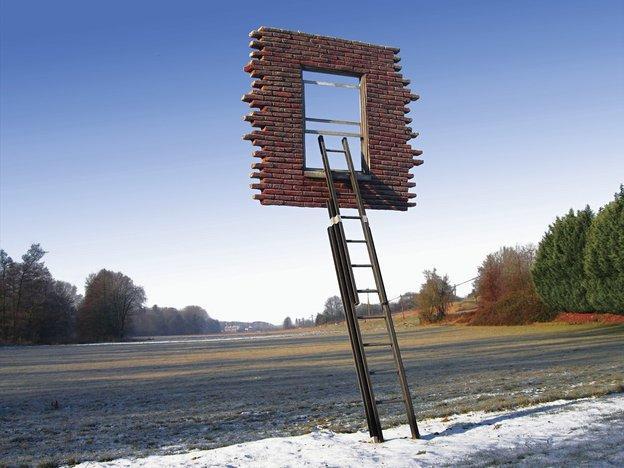 レアンドロ・エルリッヒ 新作 Window and ladder - Leaning into History@スパイラル青山